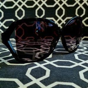 BRAND NEW Jessica Simpson Sunglasses